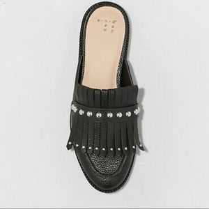 NWOT A New Day women's studded fringe mules